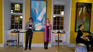 Sammen med Anne Grethe Holmsgaard til Fyraftenssang